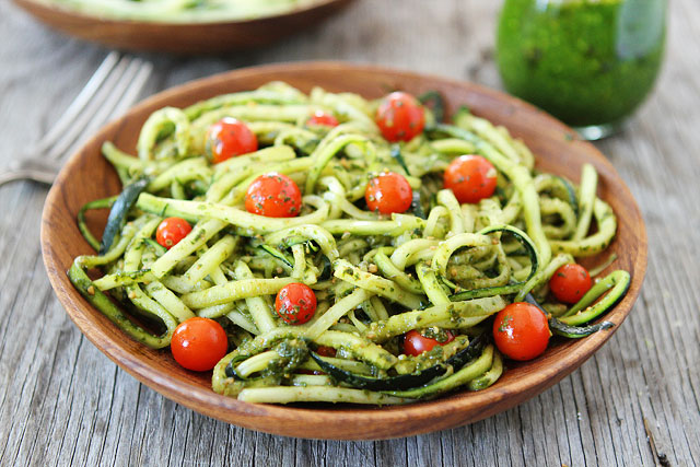 Zucchini-Noodles-with-Pesto-8