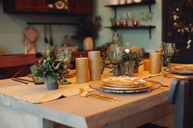 How to Style and Decorate Dinner Table