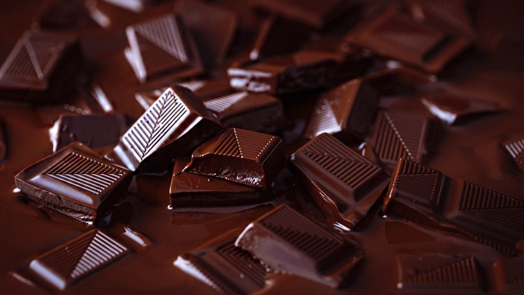 , 5 Proven Health Benefits of Chocolate and Ways To Use It Differently
